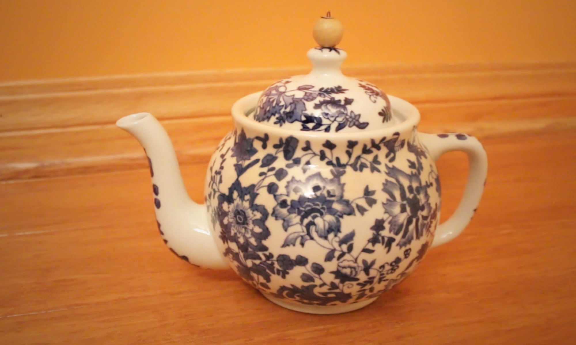 Foxpaws Farm : Saviers Teapot